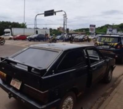 Recuperan auto con chapa paraguaya, robado hace 30 años en Brasil