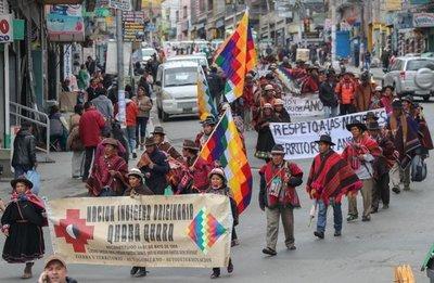 Indígenas llegan a La Paz a reclamar sus derechos tras 41 días de caminata
