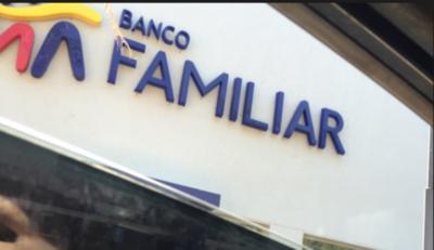 Banco Familiar mejora su calificación de riesgo