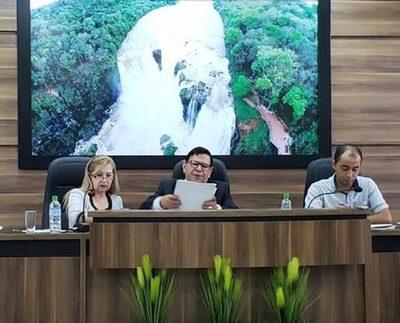 Por actitud dictatorial de Brizuela, levantan sesión en Franco