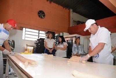 Duplican producción de pan, pero leche de soja aún no se elaborará