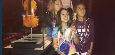 HOY / Un violín de la Orquesta de Cateura se exhibe en museo de Italia