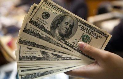 El dólar orilla los G 6.100 y supera las expectativas