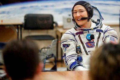 La NASA espera que caminata de mujeres inspire a nuevas generaciones