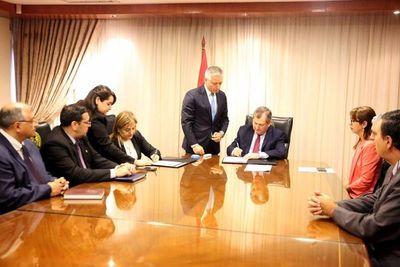 La Corte Suprema firma convenio con SENASA