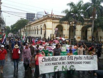 Desvíos y cordones de seguridad por la marcha campesina de la FNC
