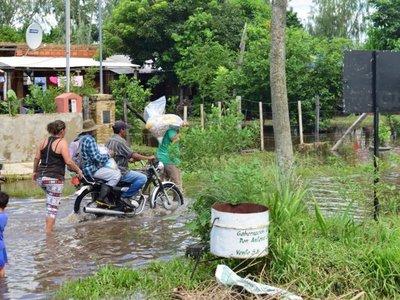 Casi 5.500 familias afectadas por inundaciones