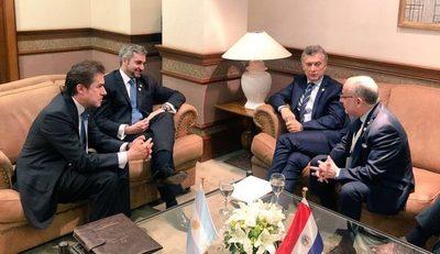 Paraguay y Argentina acuerdan habilitar a Yacyretá como puente internacional