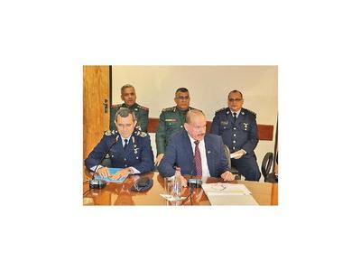Ascenso de militares en suspenso por cuestionada foja