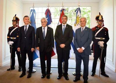 Chile se suma a candidatura para sede del Mundial 2030