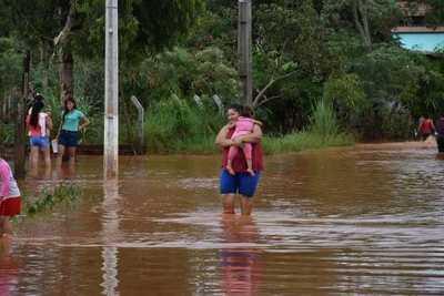 """Declaran """"estado de emergencia"""" en CDE ante inundaciones y aprueban gasto hasta G.100 millones"""