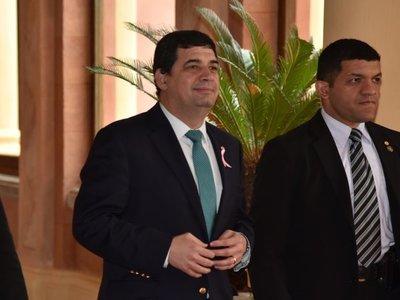 Velázquez niega haber instado a usar recursos de Itaipú