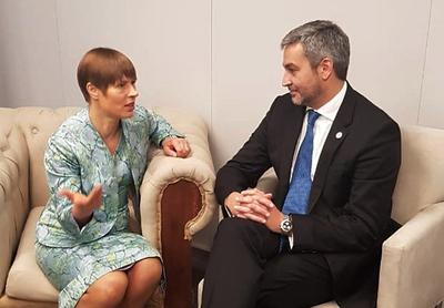 Brindarían asistencia para incorporar más tecnología en la educación paraguaya