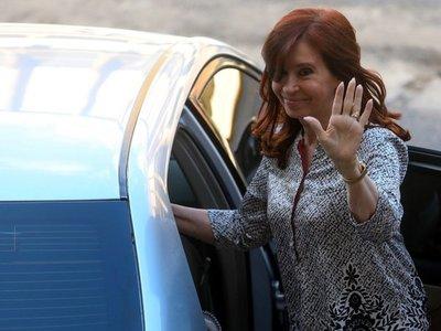 Cristina Fernández regresa a Argentina tras viaje a Cuba