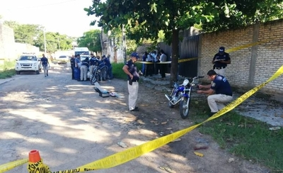 HOY / Ladrones estaban por entregar  artículos robados, policía pilla  y desata balacera: un muerto