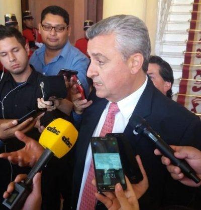Villamayor defiende a Velázquez y dice que reclamo de indígenas es ilegítimo