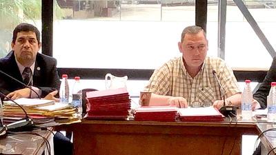 Sospechoso aplazamiento de desafuero de Zacarías por parte de Senadores
