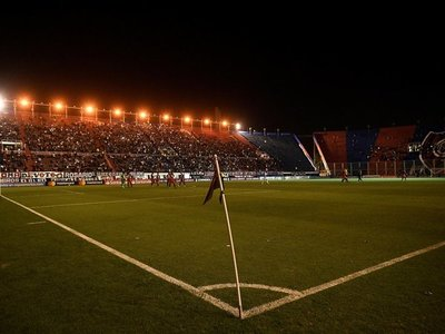 "San Lorenzo pierde seis puntos por ""irregularidades"" contractuales"