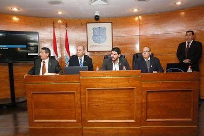 Concejales dejan plantado a Mario Ferreiro,