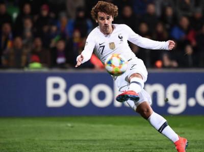 La Selección francesa inicia su travesía con una goleada