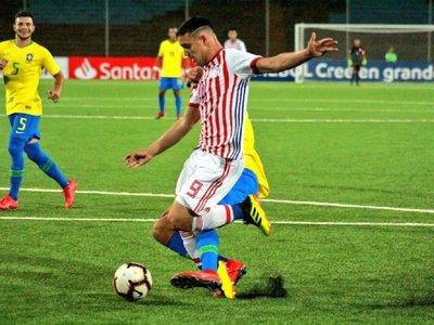 Paraguay cae en su debut frente a Brasil