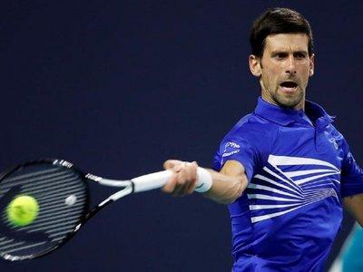 Djokovic e Isner cumplen pronósticos