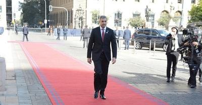 Presidente minimiza críticas y anuncia nuevas leyes