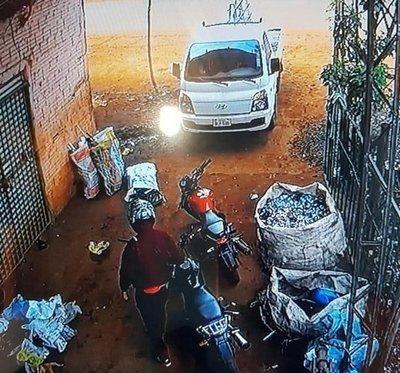 Persecución tras robo en CDE