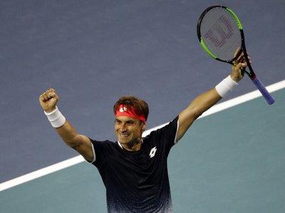 Ferrer da una lección a Zverev; Federer se niega a perder ante Albot