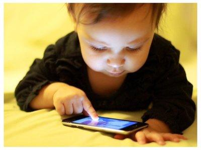 Los menores de 2 años no deben usar el celular