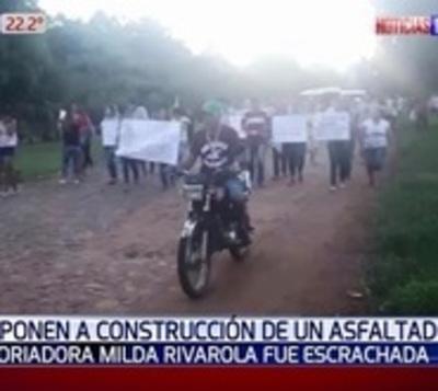 Escrachan a historiadora por oponerse a pavimentar calles de Quyquyhó
