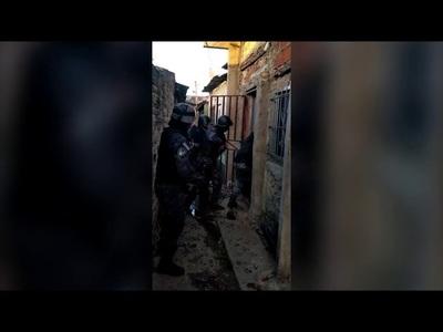 PARAGUAYO OBLIGABA A SUS VECINOS A VENDER DROGA EN BUENOS AIRES