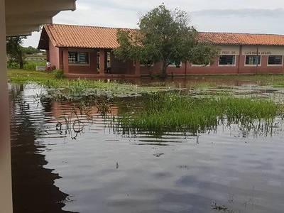 Pobladores de Isla Margarita sufren ante nueva crecida del río Paraguay