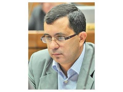 Bloque efrainista en el Senado simpatiza con Martínez Simón