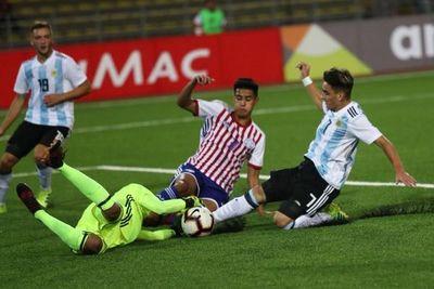 Con uno menos, Argentina le empató a Paraguay