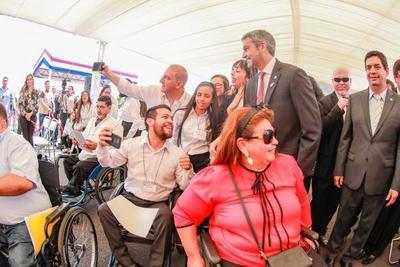 ANDE incorpora a su plantel a más personas con discapacidad