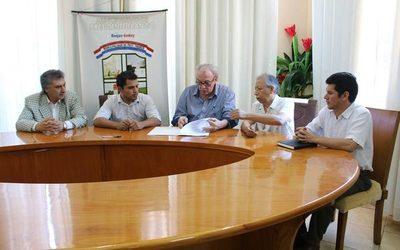 Municipalidad de Presidente Franco firma convenio con la UPE