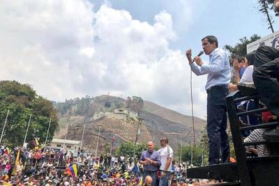 Multitudinaria marcha en las calles de Venezuela por la falta de electricidad