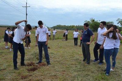 San Juan Bautista prende inicia arborización