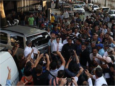 Guaidó asegura tener un plan para resolver la crisis eléctrica