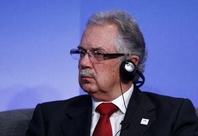 Presidente de Uruguay destituye a ministro de Defensa en caso DDHH