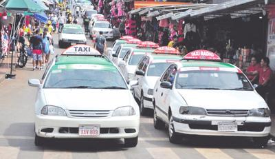 Taxistas piden que se prohíba MUV