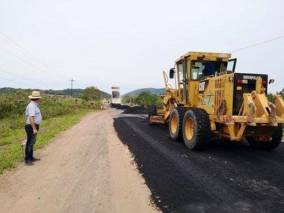 Inician tareas de pavimentación en Sapucái – Alpasa, afirman