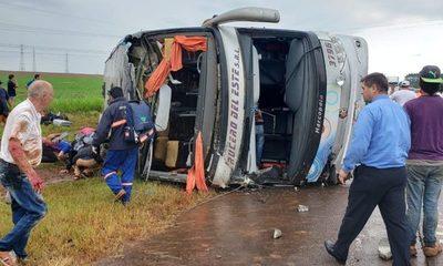 Dos muertos y varios heridos en un accidente en Yguazú