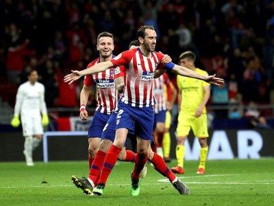 El VAR y Godín sostienen la fe del Atlético
