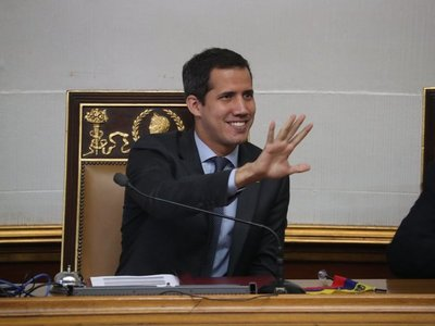 Asamblea Constituyente aprueba continuar enjuiciamiento a Guaidó
