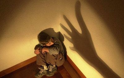 Condena de solo 3 años para un hombre que abusó sexualmente de su hijastro