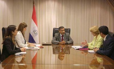 Ministro recibe a representante de las Naciones Unidas
