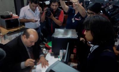 Estudiantes piden al Senado interpelación a Petta