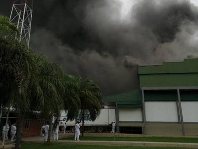 Incendio de gran magnitud consume Frigorífico Chortizer – Prensa 5